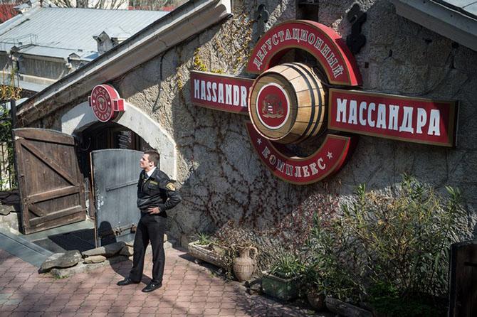 Как работает винодельческий завод «Массандра» в Крыму