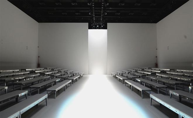 Как знаменитые дизайнеры превращают подиум в произведение искусства
