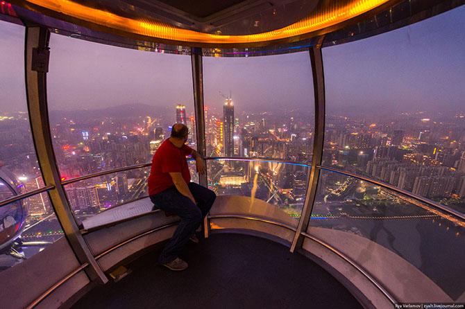 Экскурсия на самую высокую смотровую площадку в мире