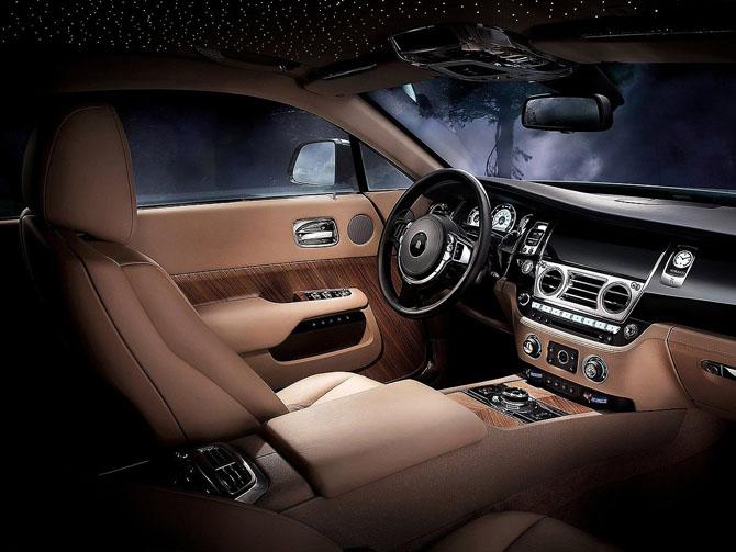 Десять лучших автомобильных интерьеров от Ward's Auto