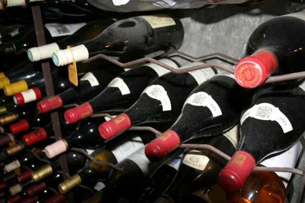 Почему дома привезённое вино всегда хуже на вкус, чем было в отпуске