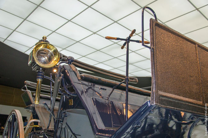 Экскурсия в Музей самодвижущихся экипажей компании Мерседес