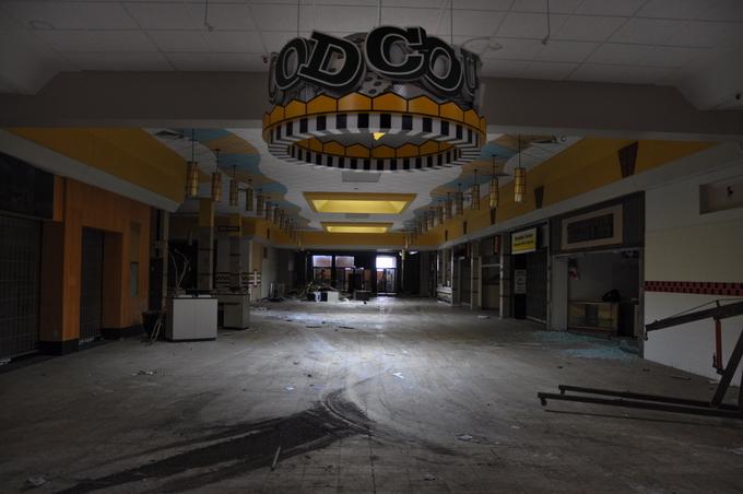 Заброшенные торговые центры Америки
