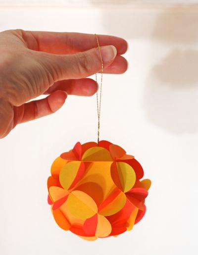 Как сделать ёлочные игрушки своими руками