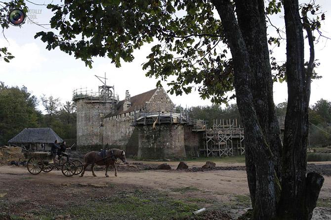 Строительство средневекового замка во Франции