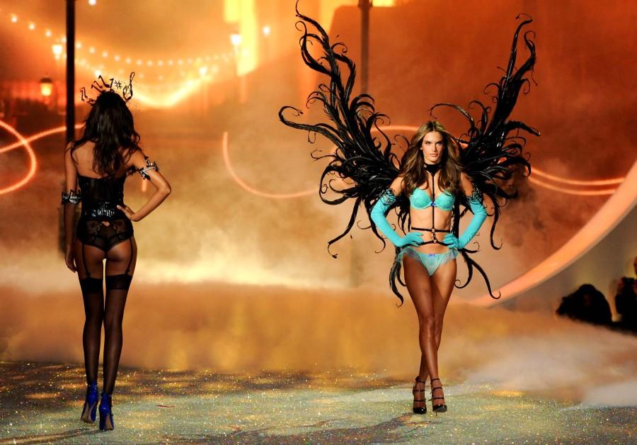 Показ мод от Victoria's Secret в Нью-Йорке 2013 (42 фото)