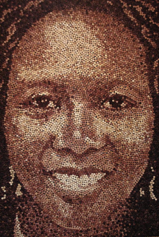 Портреты из винных пробок (10 фото)