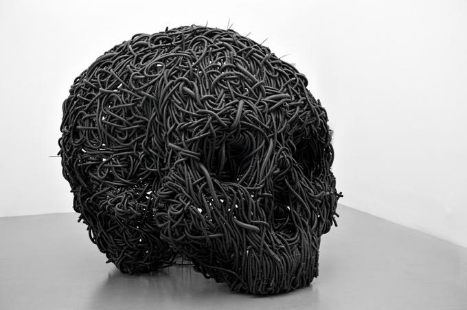 Современный художник Paolo Grassino