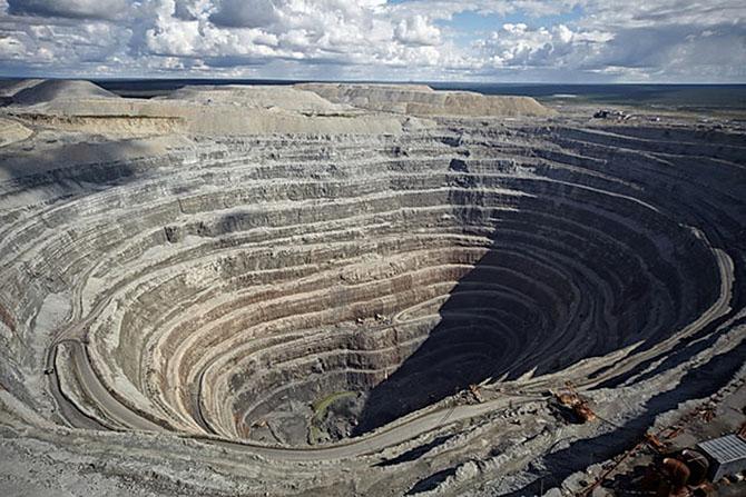 Как в России добывают алмазы