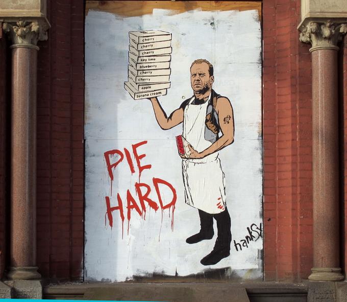 Уличный художник Hanksy