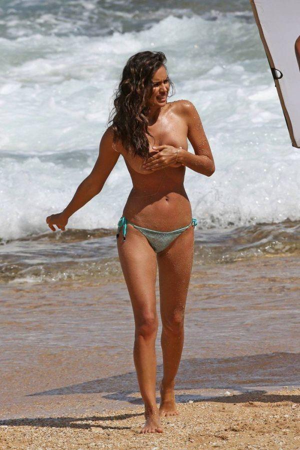 Ирина Шейк в откровенной фотосессии на Гавайях (8 фото)