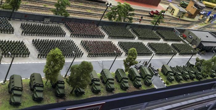 Интерактивный макет нашей страны в миниатюре (85 фото)