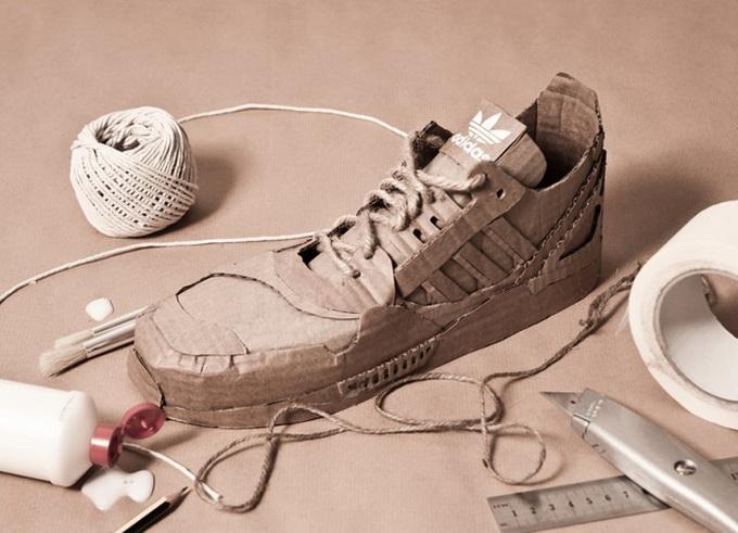 Картонные Adidas Originals