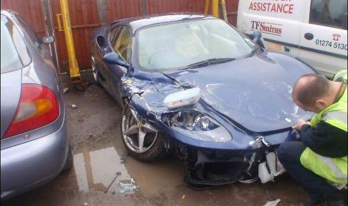 Разбитые вдребезги суперкары Ferrari (45 фото)