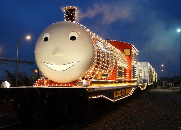 «Поезд Санты» делает остановку в Бомонте