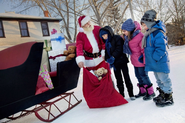 10 способов помочь ближнему на Новый год