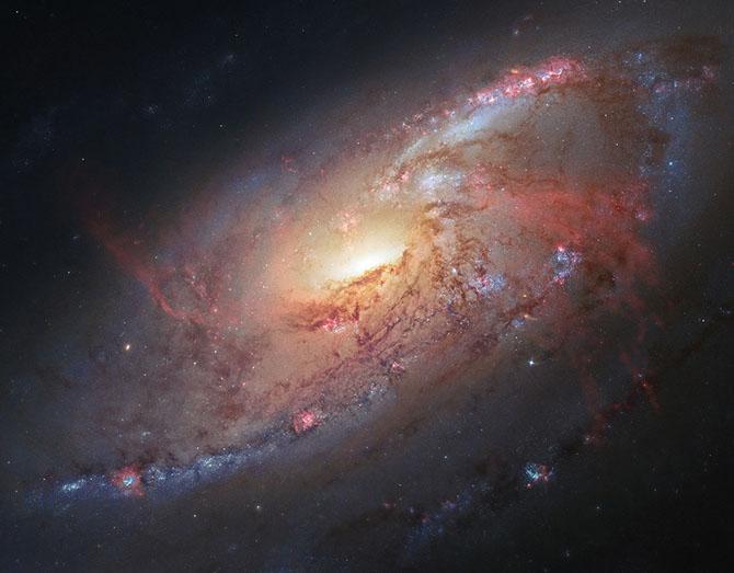 40 потрясающих фотографий космоса, сделанных телескопом Хаббл в 2013 году