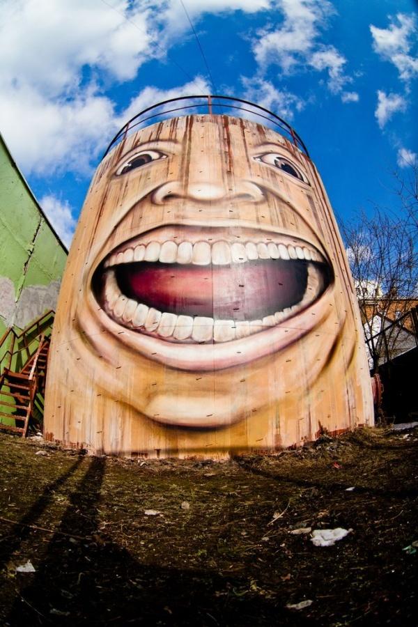 Самый крутой стрит-арт из России