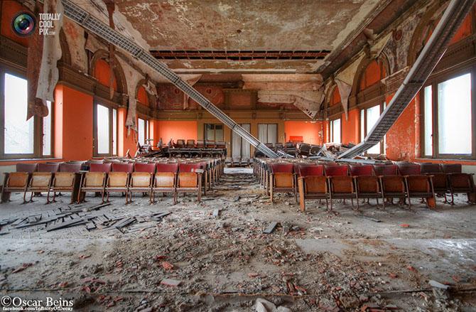 Заброшенные здания в объективе Оскара Бейнса