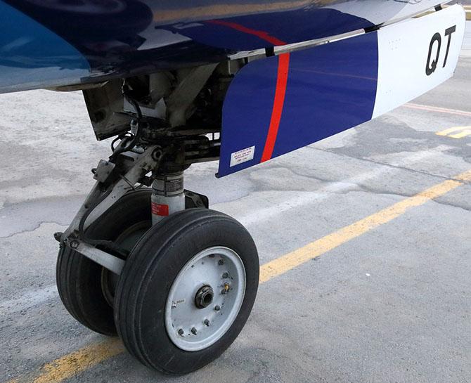 Как буксируют самолёты