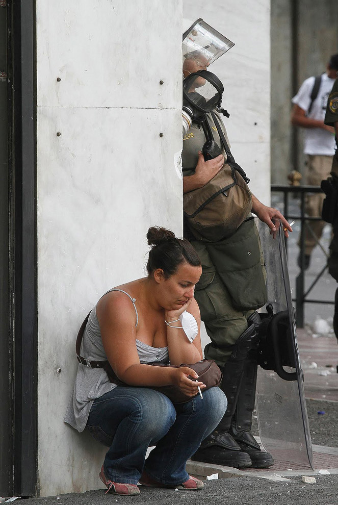 30 фотопримеров человеческого сострадания во время акций протеста