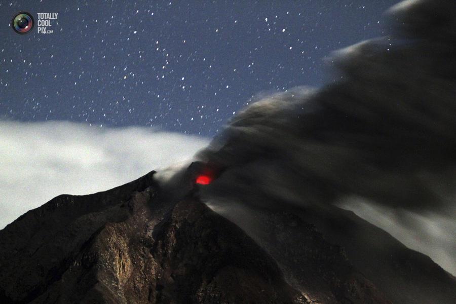 Извержение вулкана Синабунг
