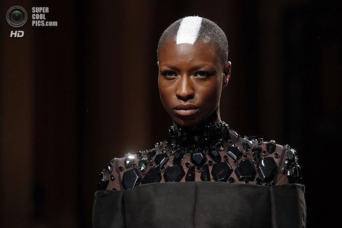 Показы культовых дизайнеров на Неделя высокой моды в Париже