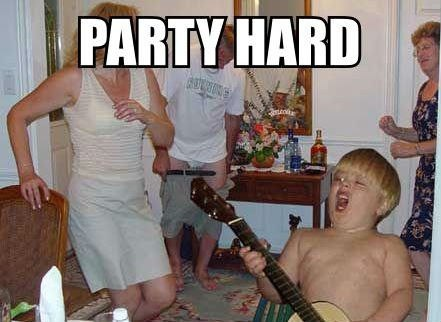 Пятница. Party hard