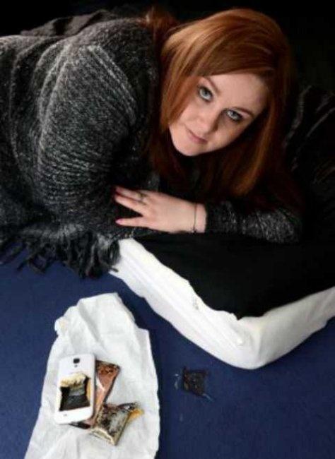 Девушку разбудил загоревшийся во время зарядки смартфон