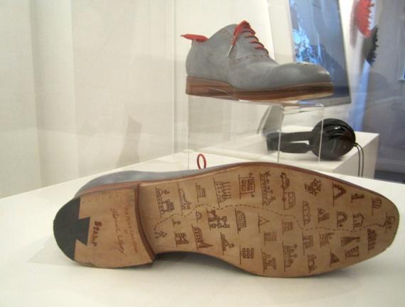 Ученые сделали обувь, которая сама приведет хозяина к своему дому