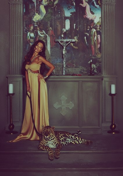 Девушка и леопард