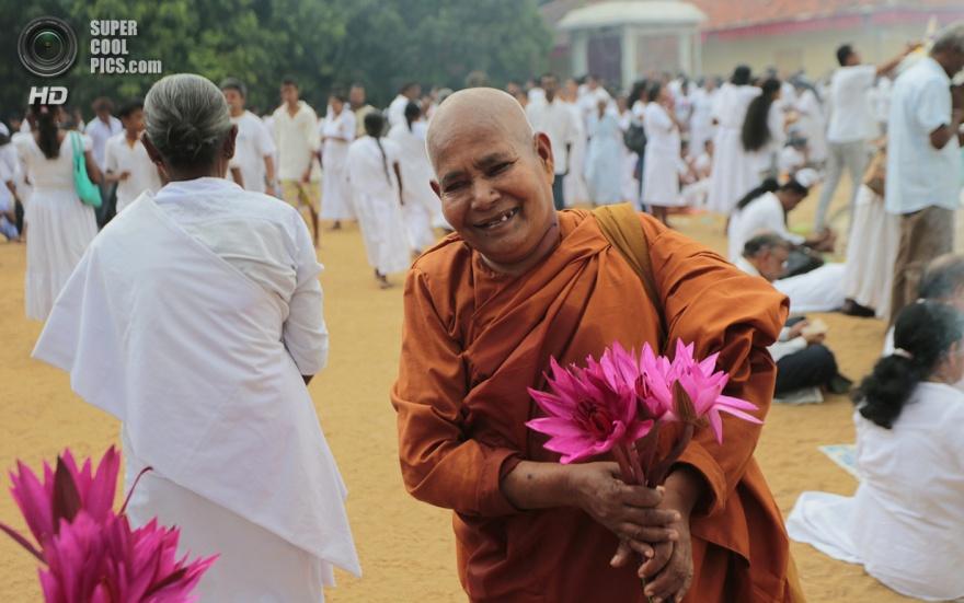 Как буддисты празднуют свой главный праздник