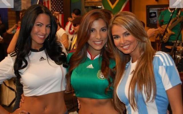 Футбольные болельщицы (50 фото)