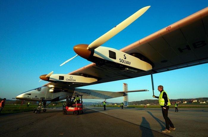 Концептуальный самолет на солнечных батареях (13 фото)