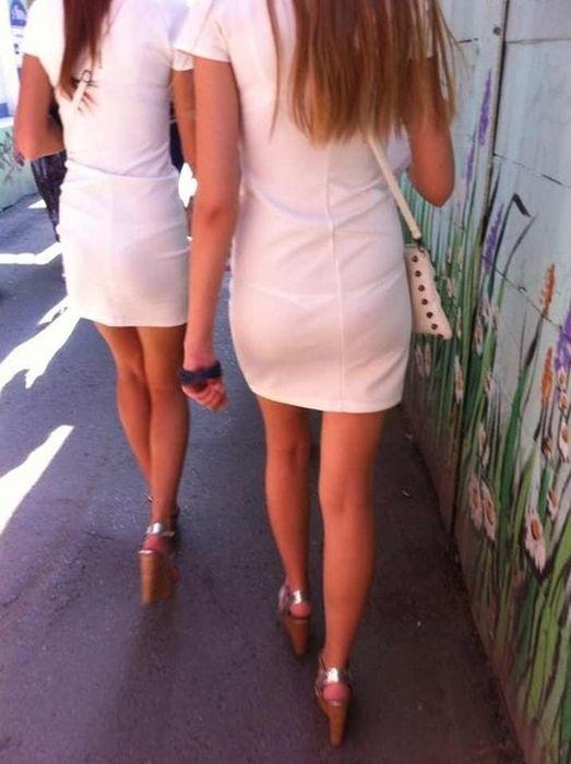 Подглядываем за девушками (60 фото)