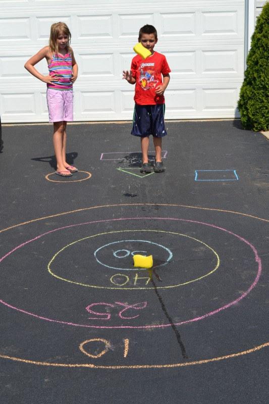 25 дешевых способов занять детей на все лето