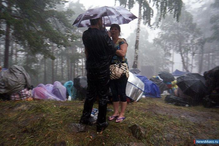 Ураган во время Ильменского фестиваля (49 фото)