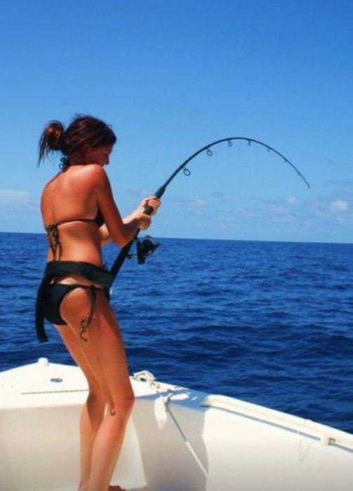 Девушки на рыбалке (50 фото)