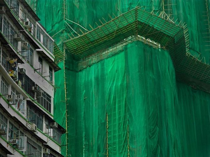 Как укрывают строящиеся здания в Гонконге