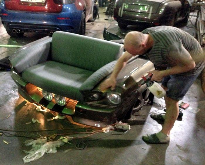 Капот-диван на матрице Ford Mustang Fastback (24 фото)