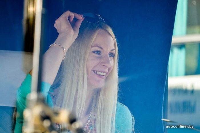 Профессия красивой блондинки (18 фото)