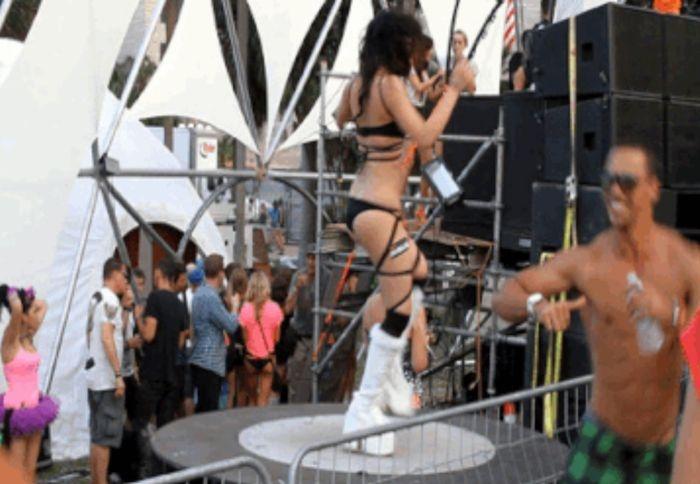 Подборка гифок с музыкальных фестивалей (36 штук)
