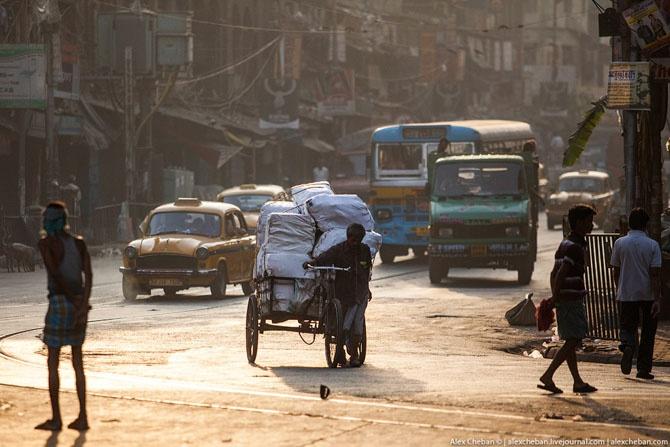 Как проходит утро индийского бездомного