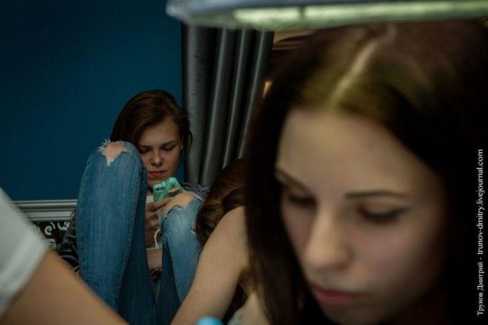 Как наносят на кожу женщина-мастер тату в профессиональных салонах (29 фото)
