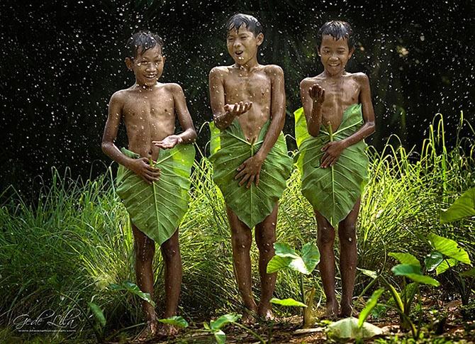Детские забавы в разных концах света (32 фото)