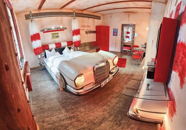 Как выглядит отель для любителей авто в Штутгарте