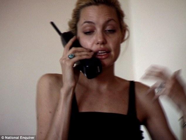 В 1999 Анджелина Джоли была героиновой наркоманкой (13 фото)