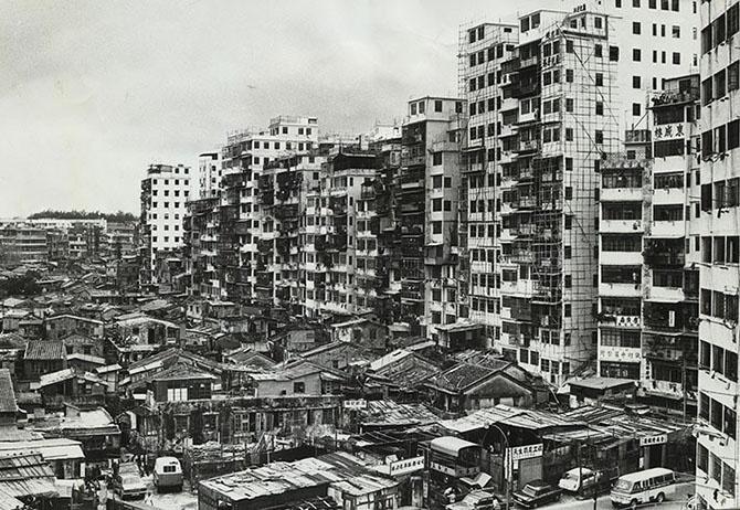 История самого густонаселенного района на планете (67 фото)