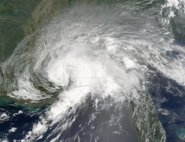 топ 15 самых крупнейших ураганов