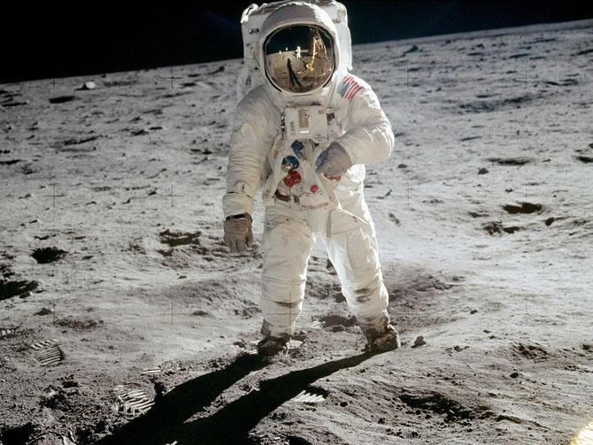 История первой высадки людей на Луну